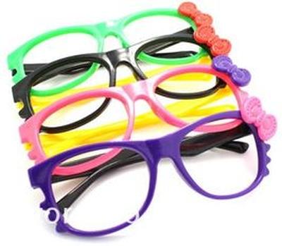 Honnan tudhatjuk, hogy gyermekünknek szemüvegre lenne szüksége?